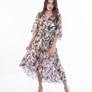 ellen μοντελο φοραει φορεμα με τρουακάρ μανίκια